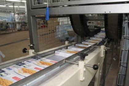 Auch im Innenleben nun aus Karton statt Aluminium: Die Verpackung des Schlemmerfilets. Fotos: stoppress/Helmut Stapel