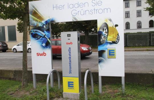 Elektroautos: die Lieferfahrzeuge des Aktivmarktes Roter Sand werden komplett auf Strom umgestellt.