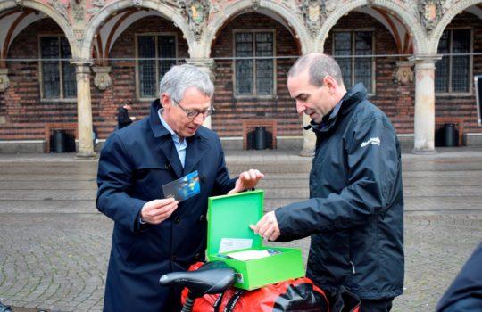 Bürgermeister Sieling und Arne Dunker
