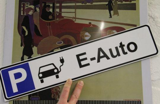 Hat bei beim Fahrdienst Lorenz definitiv Vorfahrt vor dem Verbrennungsmotor: die Elektromobilität.