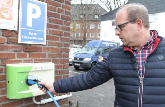 Setzt sich für die Elektromobilität und mehr Strom-Zapfsäulen ein: Michael Lorenz.
