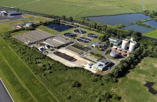 Reinigt jährlich rund elf Millionen Kubikmeter Abwässer: die Kläranlage am Luneort.  Foto: BEG