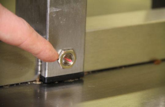 Kontrollierter Stromverbrauch: Ein Sensor schaltet die Wärmebrücke in der Küche nur bei Bedarf an.
