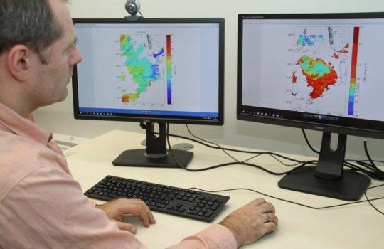 Mit modernsten Messmethoden die Nordsee im Blick: Daten-Auswertung am Computer im Thünen-Institut.Foto: Helmut Stapel