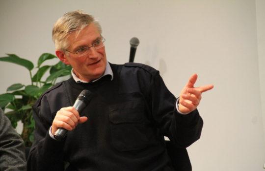 Plädiert für mehr Engagement der Bürger beim Einsparen von Co2: Till Scherzinger, Leiter des Bremerhavener Klimastadtbüros. Foto: Helmut Stapel