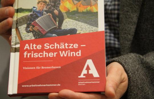 Hat die Ideen für die Entwicklung Bremerhavens in einem Buch zusammengefasst: die Angestelltenkammer Bremen. Foto: Helmut Stapel