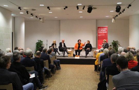 Gut besetzt: das Podium zum Thema Klimastadt. Foto: Helmut Stapel