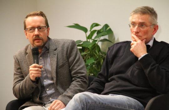 Stellten sich den Fragen aus dem Publikum: Dominik Santner (Angestelltenkammer) und Till Scherzinger (Leiter Klimastadtbüro). Foto: Helmut Stapel
