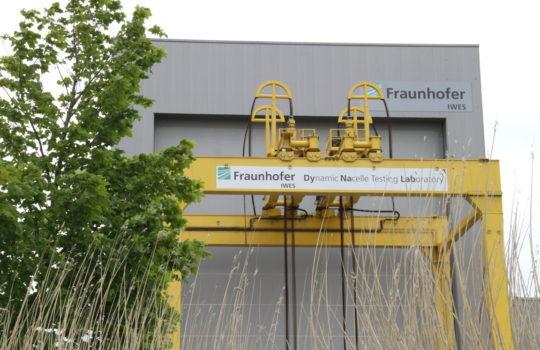 Grüner geht´s nicht: Testet in Bremerhaven auch Windradgondeln im hauseigenen DyNaLab-Teststand – das Fraunhofer IWES-Institut. Foto: Helmut Stapel