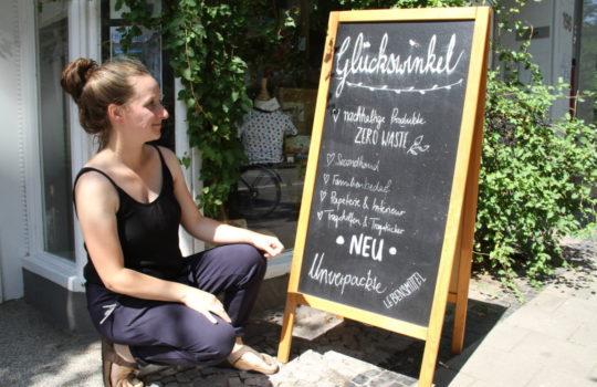 """Freut sich über das Unverpackt-Angebot im """"Glückswinkel"""": Inhaberin Fiona Brinker.  Foto: Helmut Stapel"""