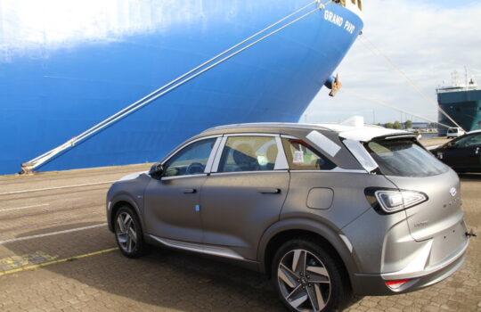 Wird aus Korea über Bremerhaven nach Europa gebracht: das Hyundai-Wasserstoffauto Nexo. Foto: Helmut Stapel