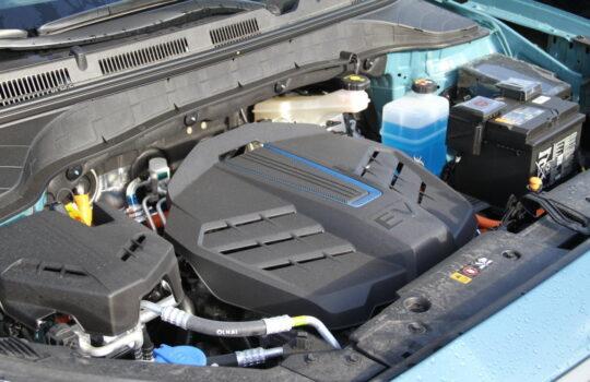 Im Unterschied zum E-Motor mit Brennstoffzelle mehr Einzelteile: ein Dieselfahrzeug von Hyundai. Foto: Helmut Stapel