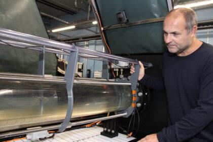 Hat für die Erforschung des Aals einen eigenen Strömungskanal konstruiert: Dr. Reinhold Hanel, Leiter des Thünen-Instituts für Fischereiökologie. Foto: Helmut Stapel