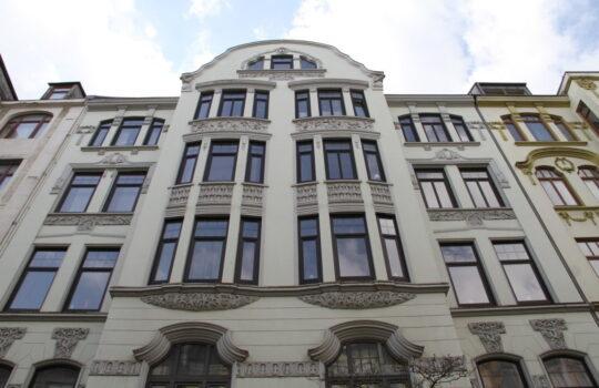"""Aufwändige Fassaden: die Jugendstilhäuser in der """"Alten Bürger"""". Foto: Helmut Stapel"""