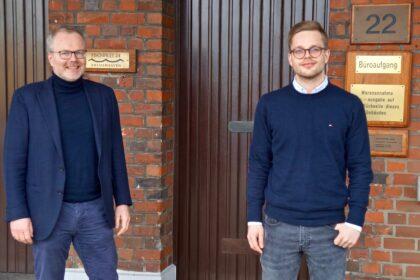 Geschäftsführer Gieseking mit seinem Einkaufsleiter Pahnenrich von Abelmann