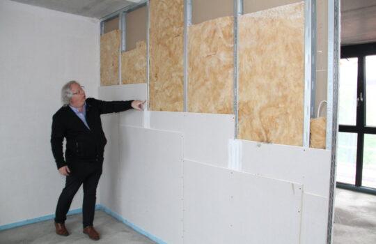 Baukonzept der Zukunft: Wände in Leichtbauweise mit Wärme- und Geräuschdämmung. Foto: Helmut Stapel